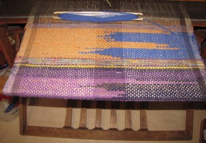 Saori-inspired weaving